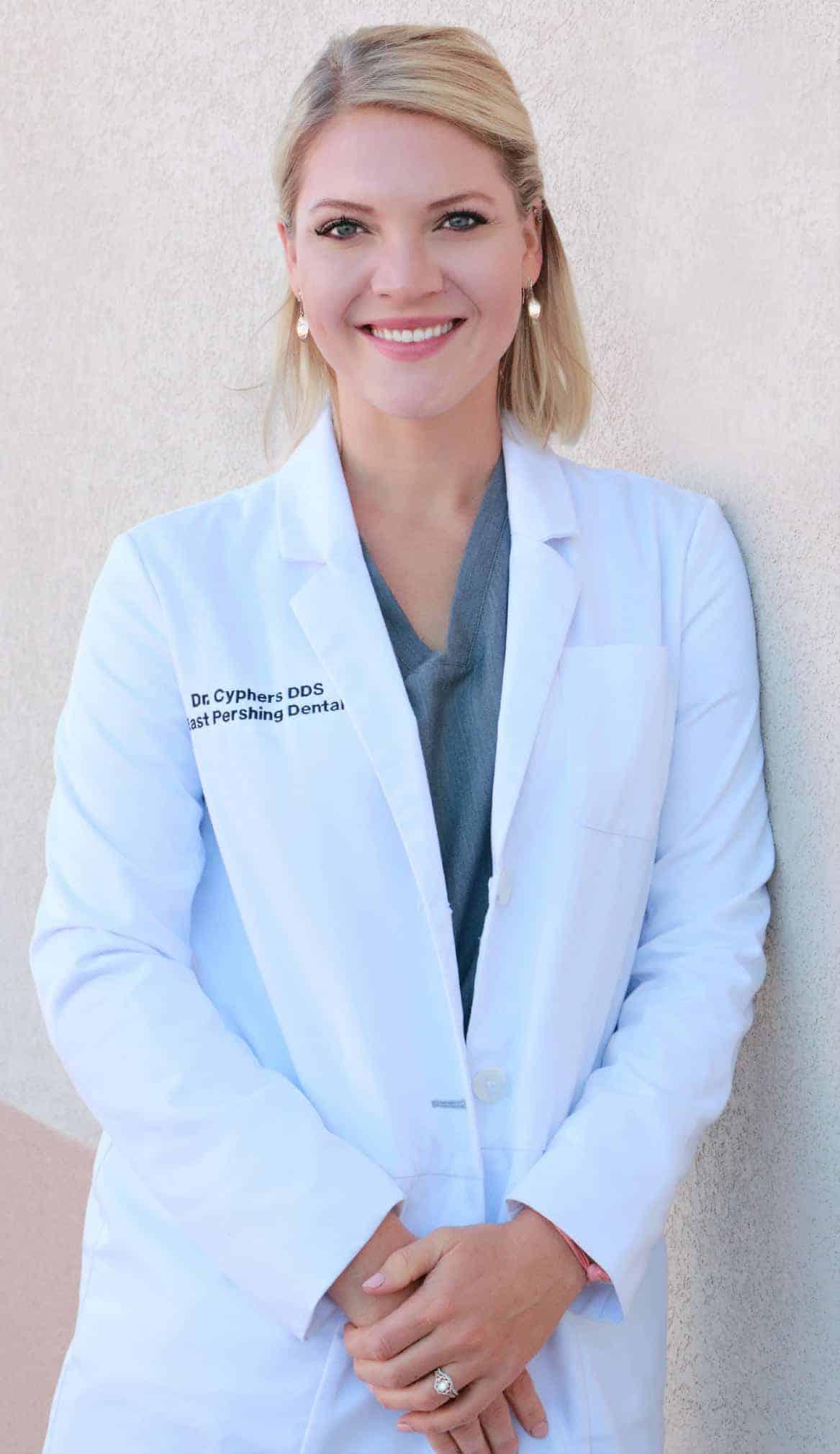 Dr Kelli Cyphers - Dental Clinic 82001
